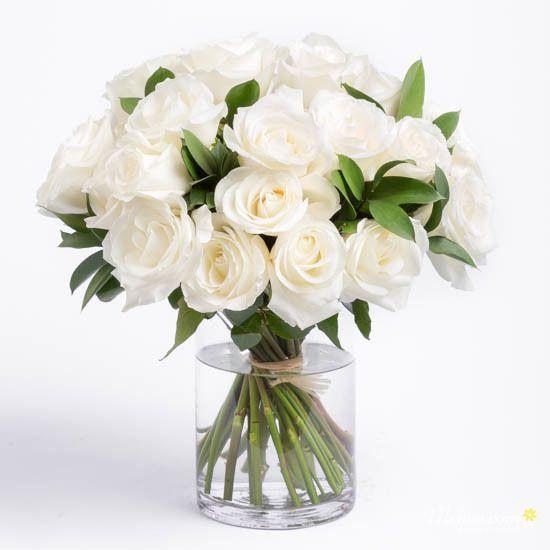 Hoa hồng trắng thả bình
