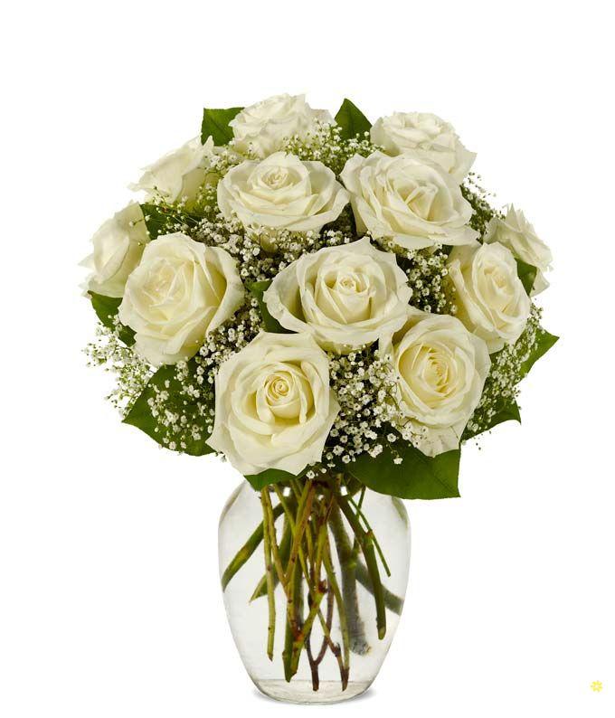 Bình hoa hồng trắng trang trí nhà