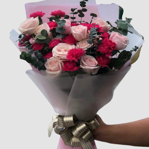 Bó hoa hồng + cẩm chướng tặng bạn gái