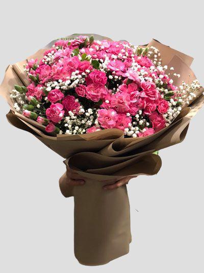 Bó hoa cẩm chướng đỏ