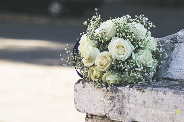 Bó hoa hồng trắng 11 bông