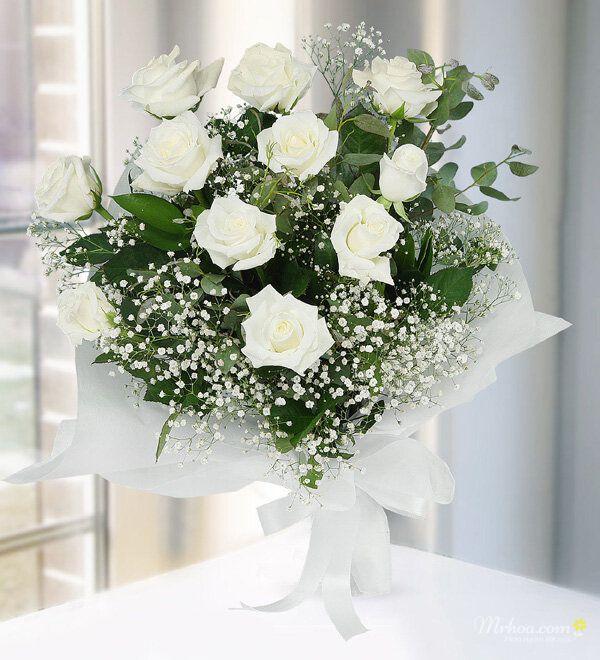 Bó hoa hồng trắng tặng bạn gái