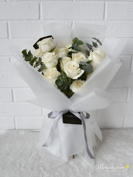 Bó hoa hồng trắng tặng vợ