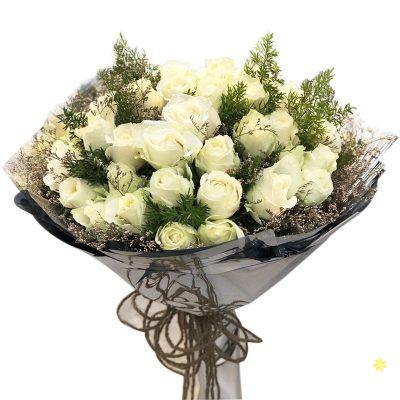 Bó hoa tone trắng dễ thương