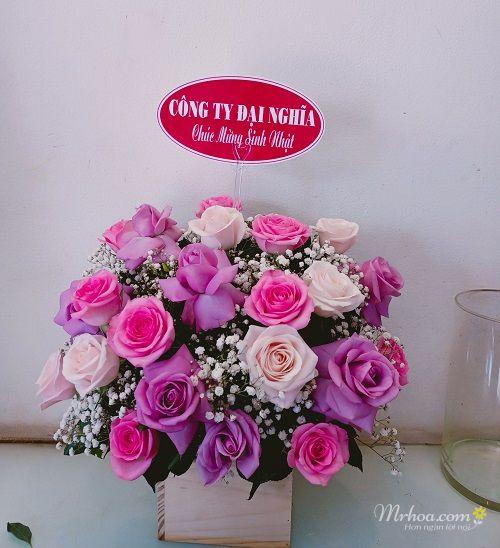 Giỏ hoa hồng tím sinh nhật