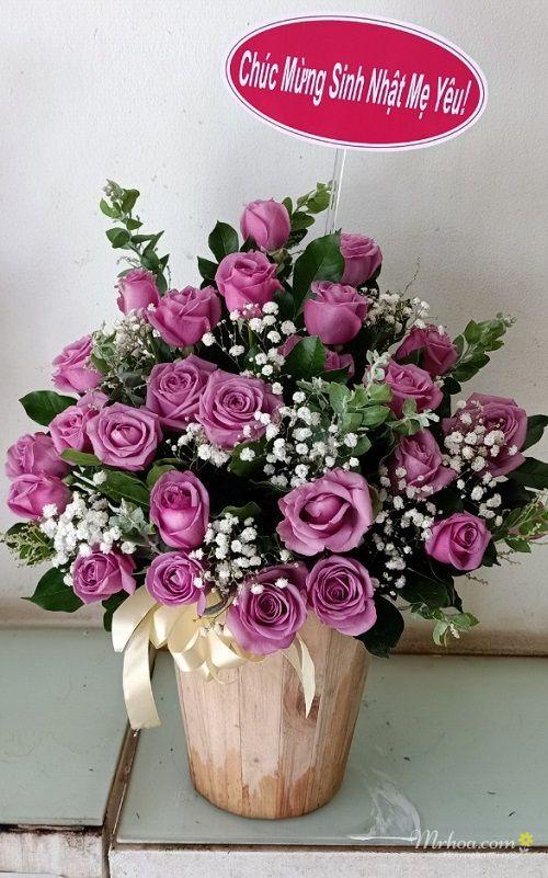 Giỏ hoa hồng tím tặng sinh nhật mẹ