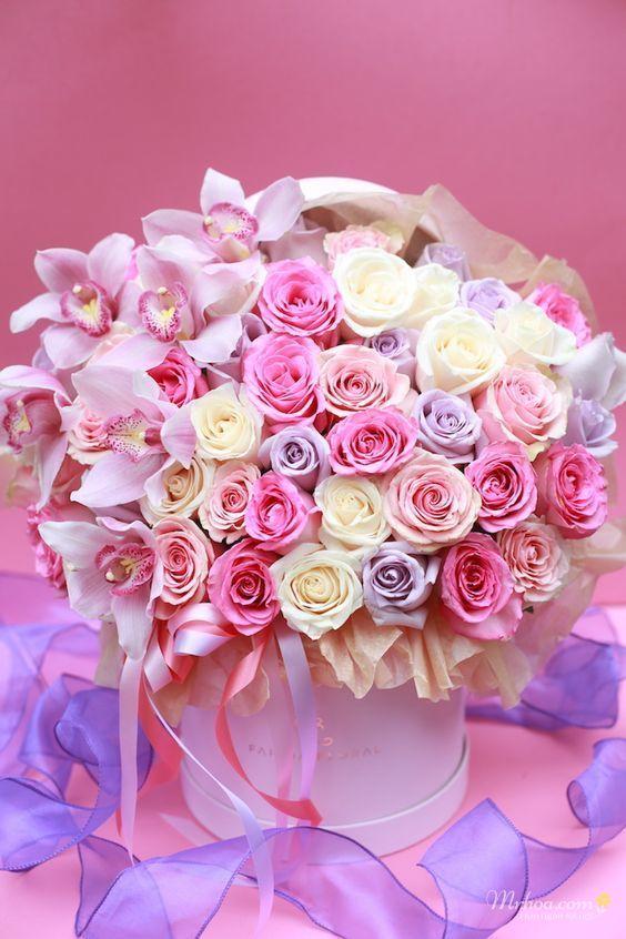 Giỏ hoa hồng nhiều màu