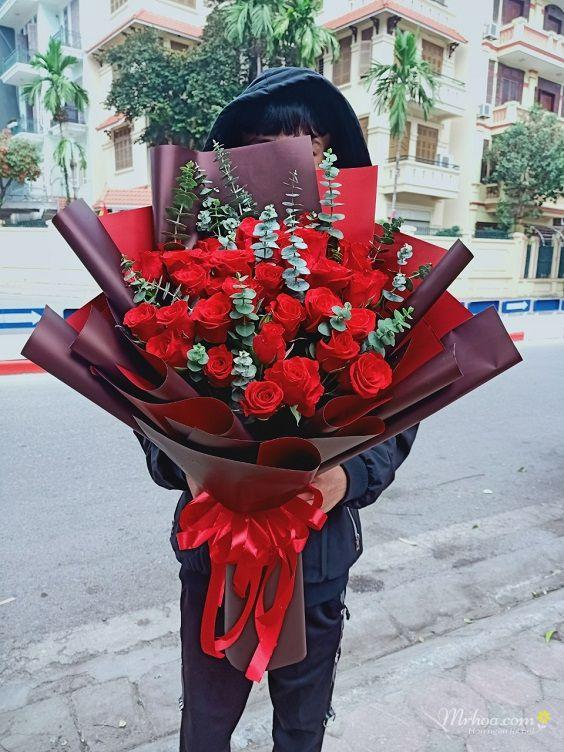 Bó hoa hồng đỏ tặng sinh nhật bạn gái