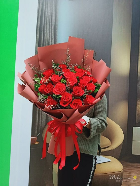 Bó hoa hồng đỏ tặng phái nữ