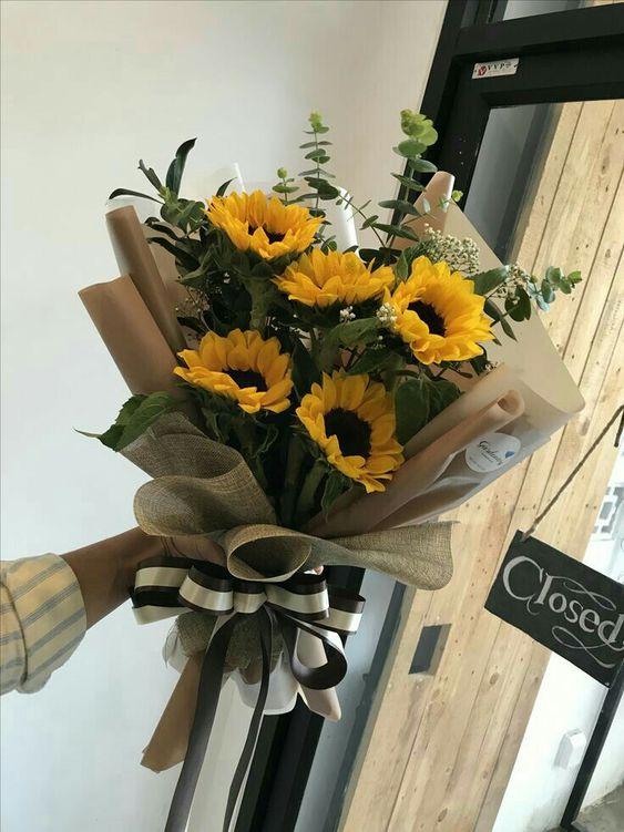 Bó hoa màu vàng 5 bông