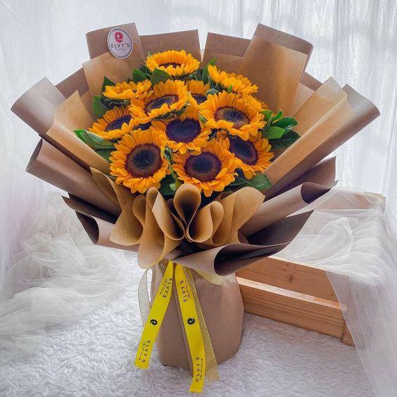 Bó hoa hướng dương màu vàng đẹp nhất thế giới