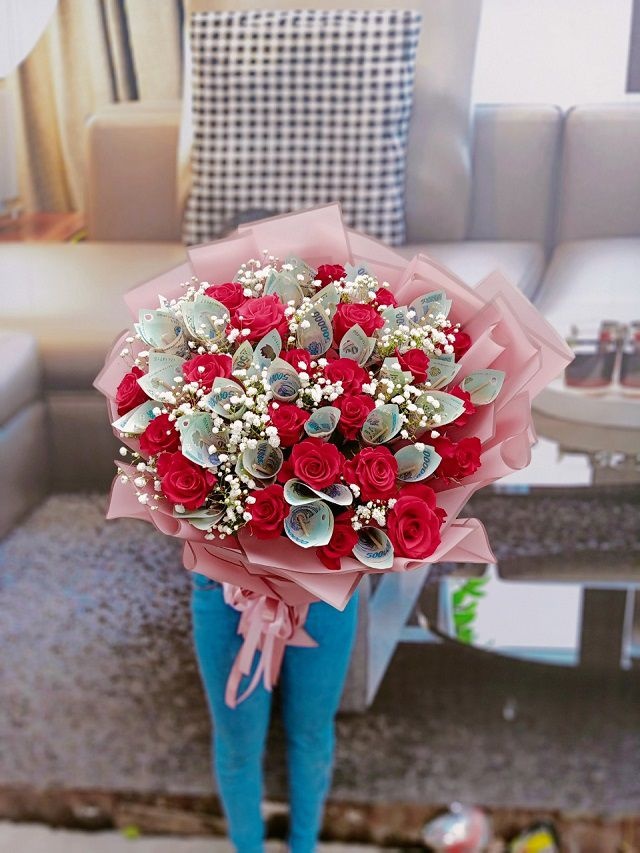 Bó hoa hồng tặng bạn gái đẹp