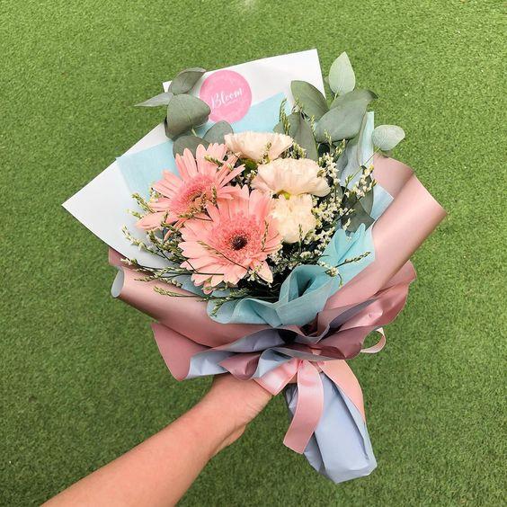 Bó hoa nhỏ tặng vợ