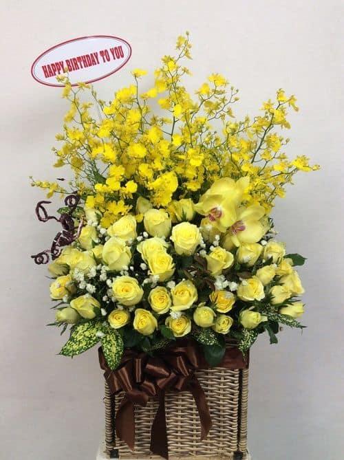 Gio hoa sinh nhat mau vang