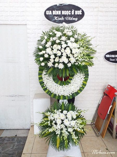 Vòng hoa chia buồn đám tang