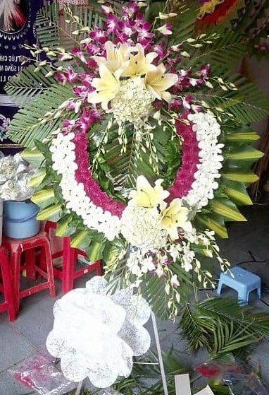 Hoa tang le gia nghia dac nong