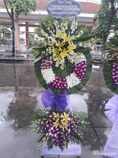 Hoa tang lễ Ninh Kiều