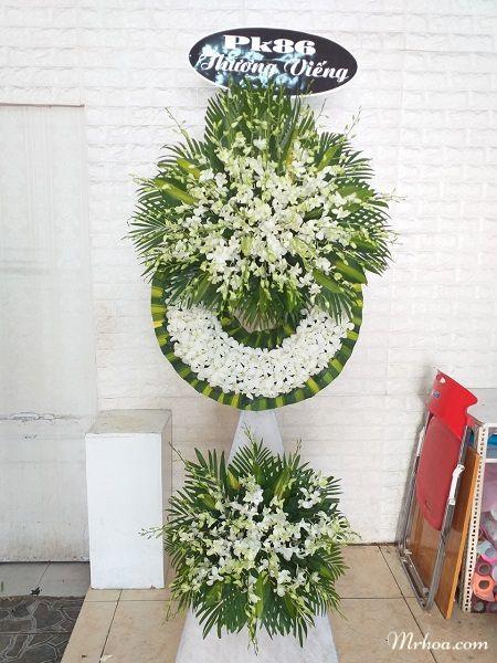 Hoa tang lễ Long Biên