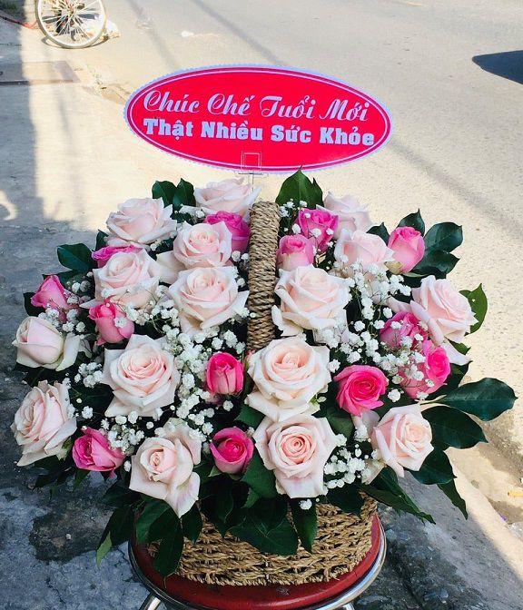 Tiệm hoa Hoàng Mai
