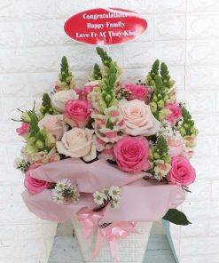 Giỏ hoa trong sáng