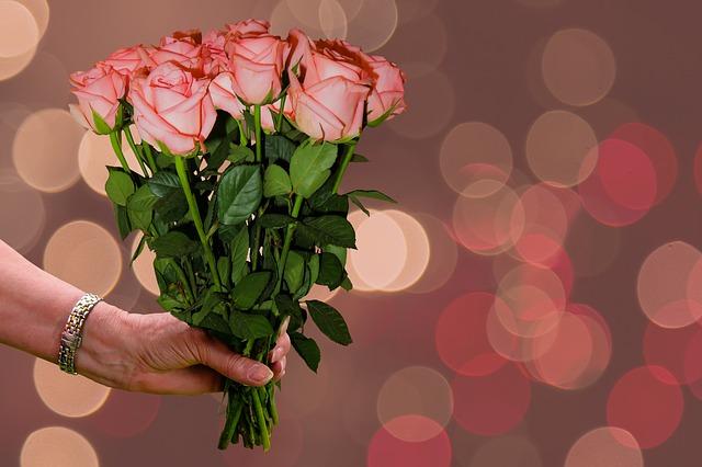 tang hoa cho nguoi trong gia dinh