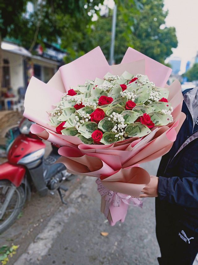 Bó hoa tiền 100k