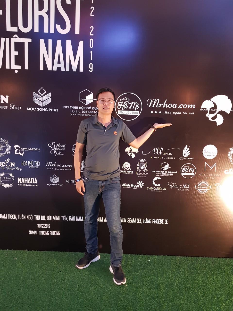 Anh Võ Văn Đạt giám đốc công ty MrHoa