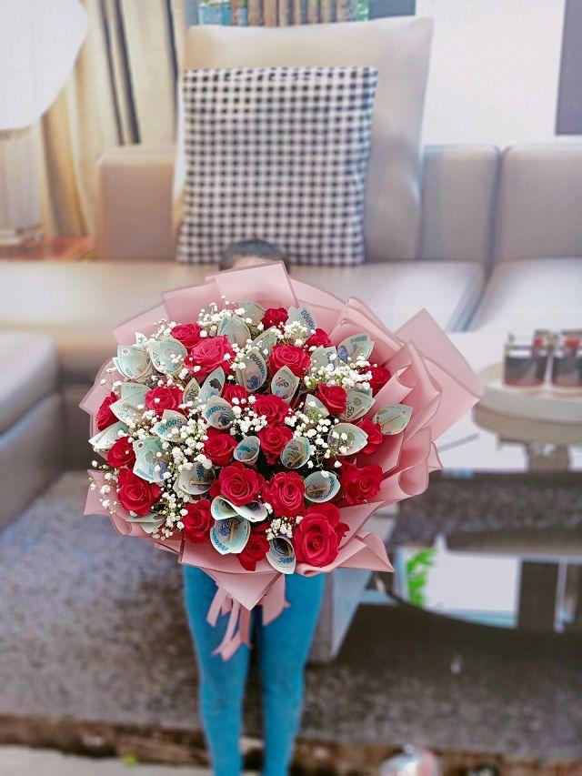 Bó hoa tiền tặng sinh nhật tháng 2