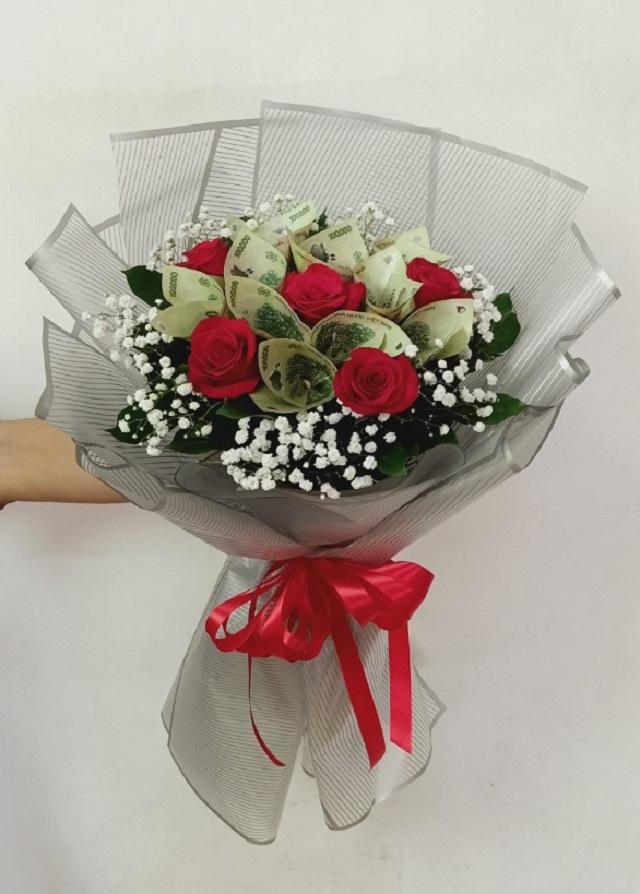 Bó hoa tiền tặng sinh nhật
